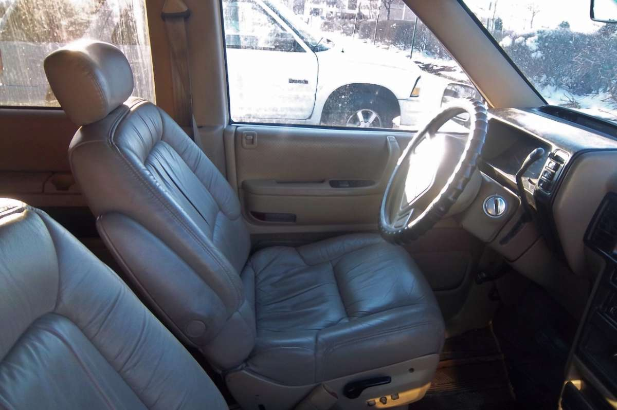 1992 Plymouth Grand Voyager #14
