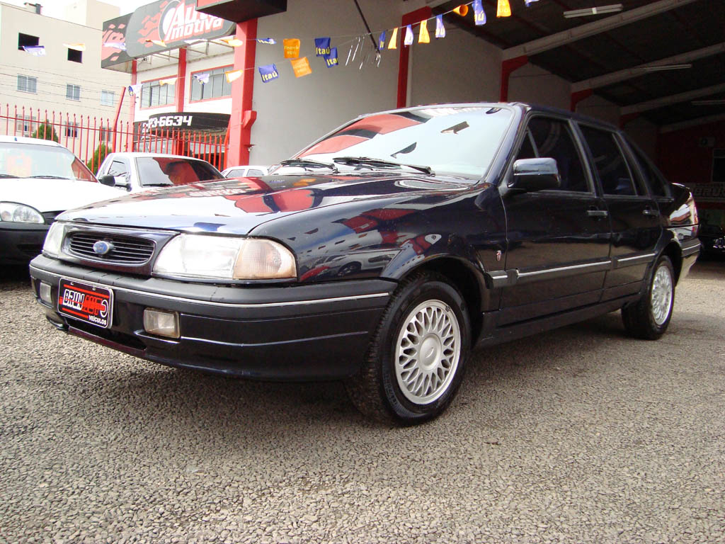 1996 Ford Versailles #4