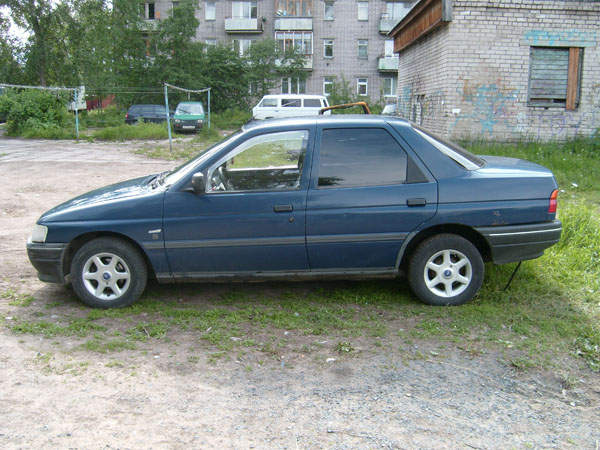 1991 Ford Orion #7
