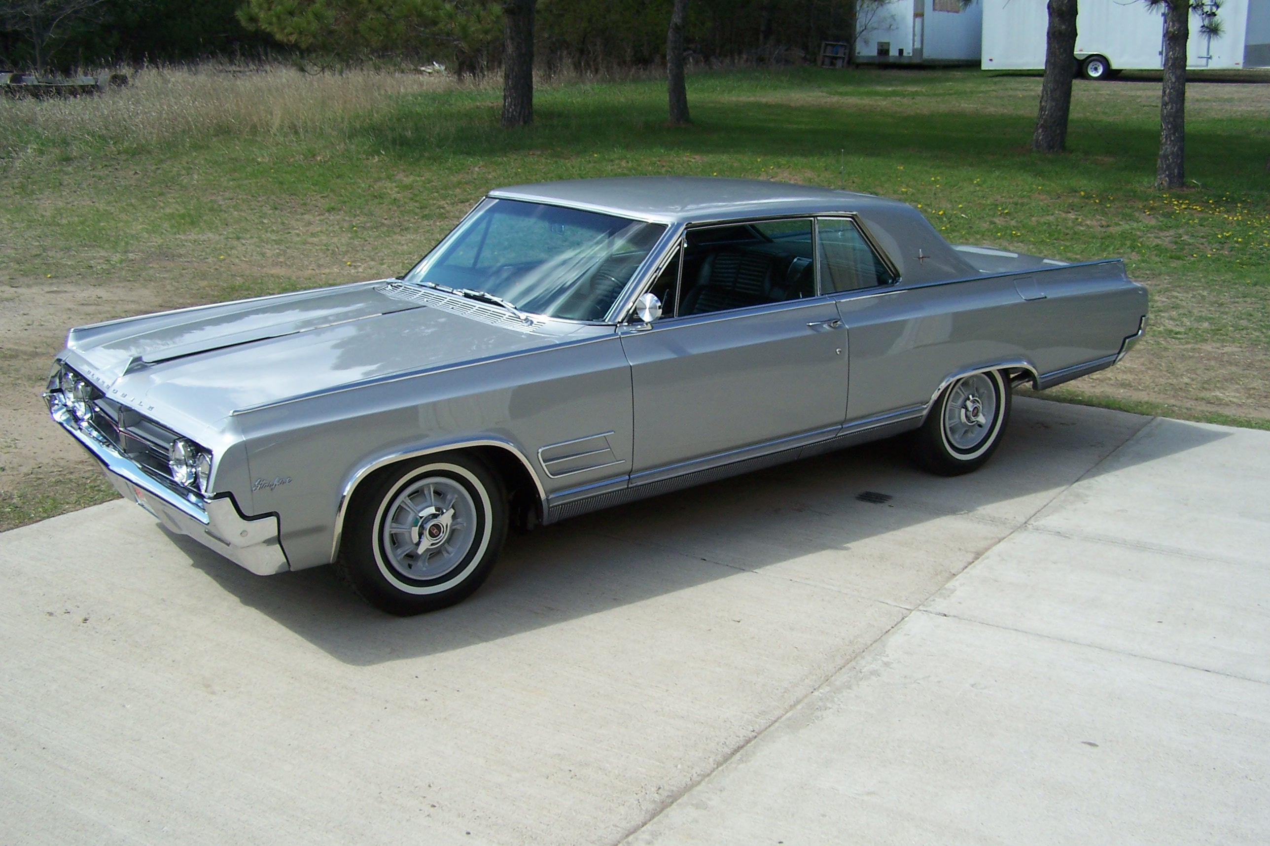 1964 Oldsmobile Starfire Photos, Informations, Articles