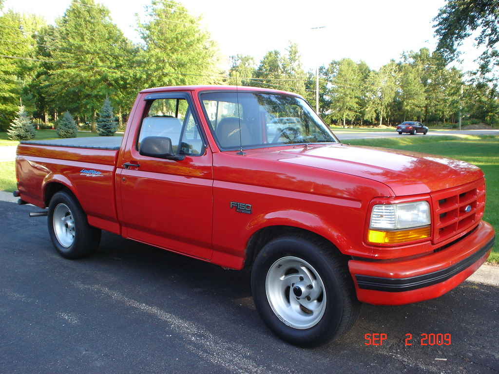 1995 Ford F-150 Svt Lightning #2