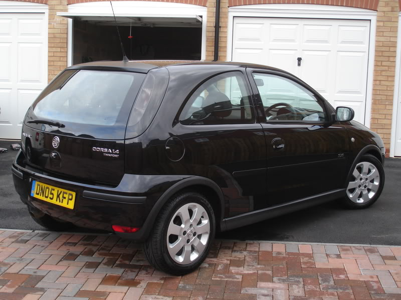 2005 vauxhall corsa photos informations articles. Black Bedroom Furniture Sets. Home Design Ideas