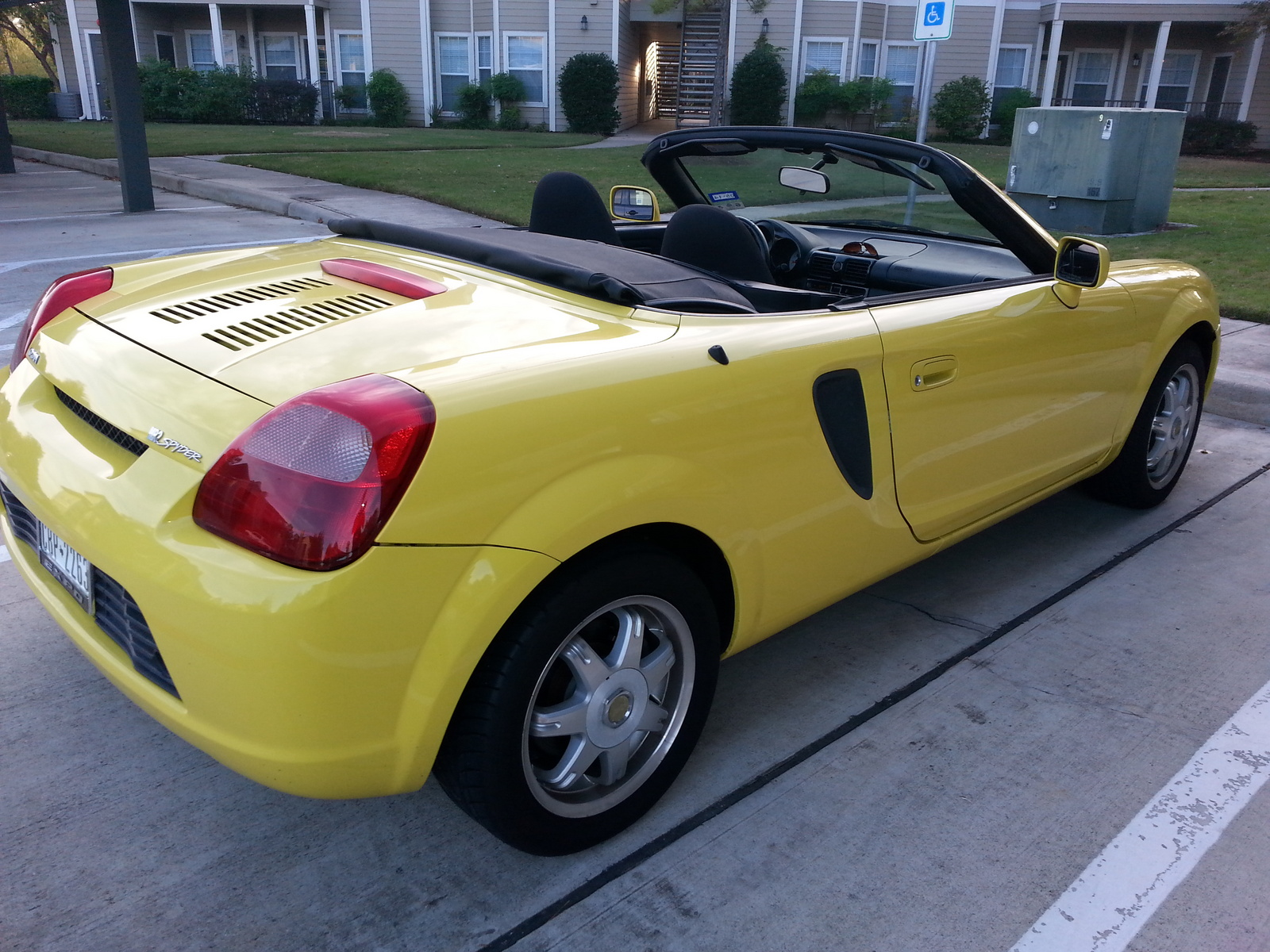 2002 toyota mr2 spyder photos informations articles bestcarmag com