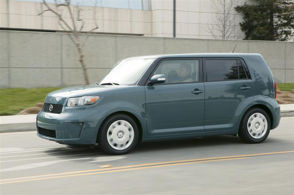 2009 Scion Xb #4