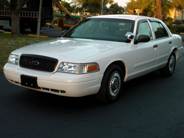 2001 Ford Crown Victoria #8