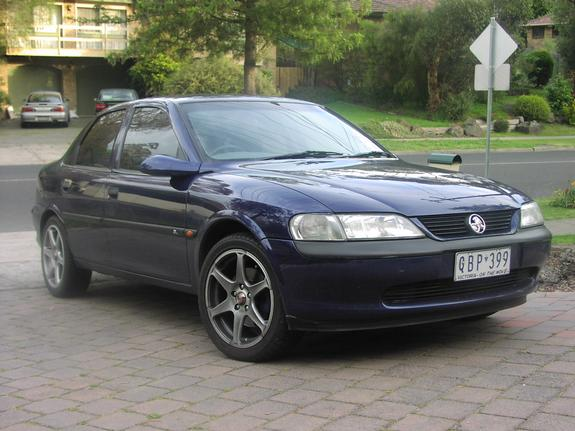 2000 Holden Vectra #1
