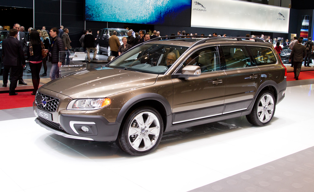 2014 volvo xc70 photos informations articles. Black Bedroom Furniture Sets. Home Design Ideas