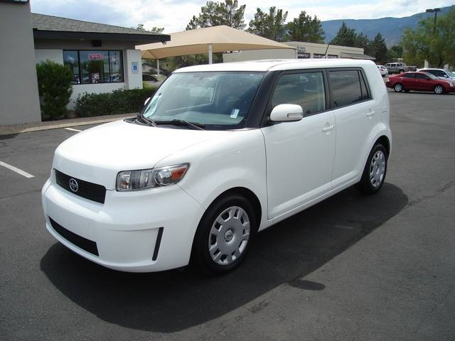 2010 Scion Xb #9