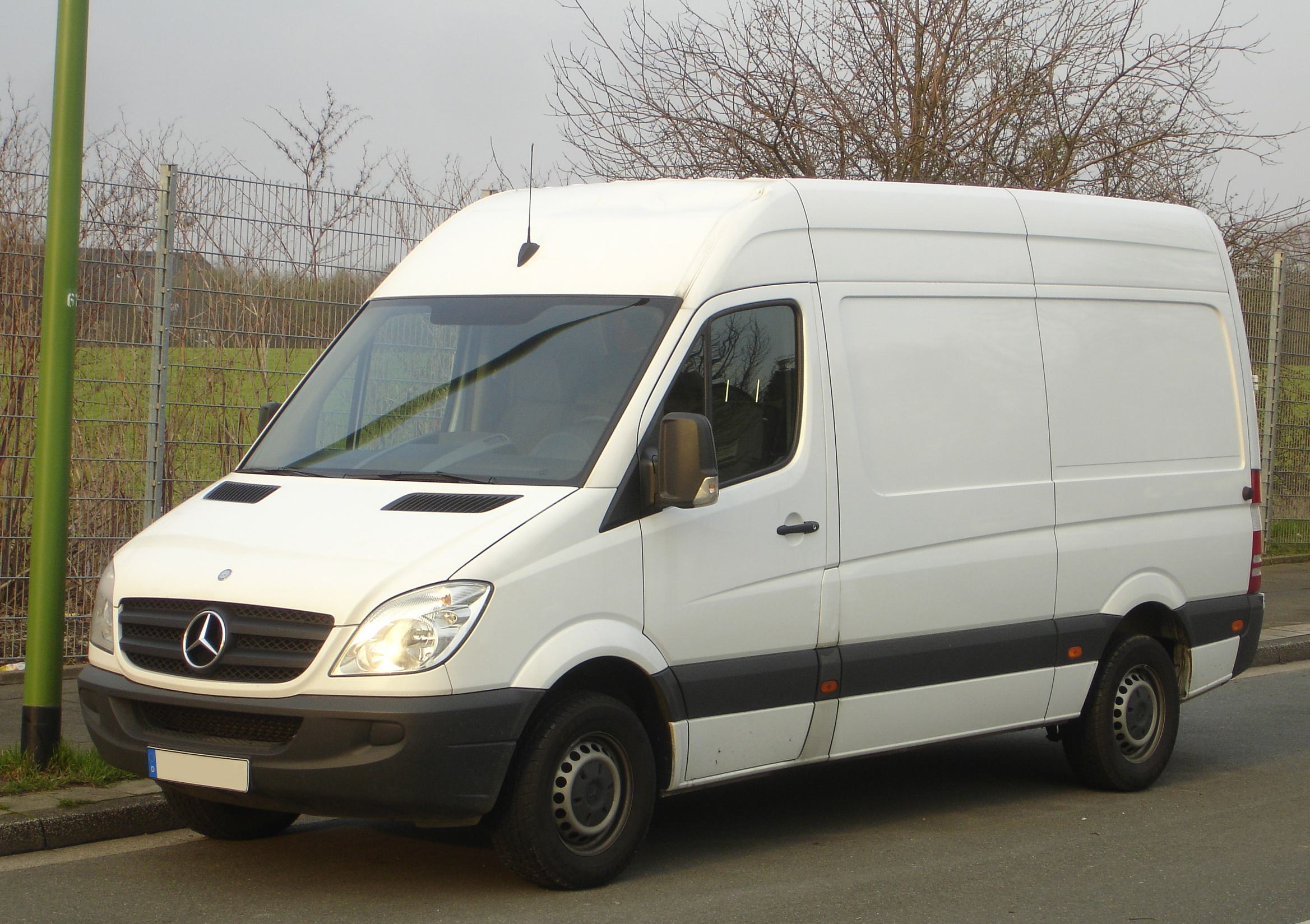2010 Mercedes-Benz Sprinter #8