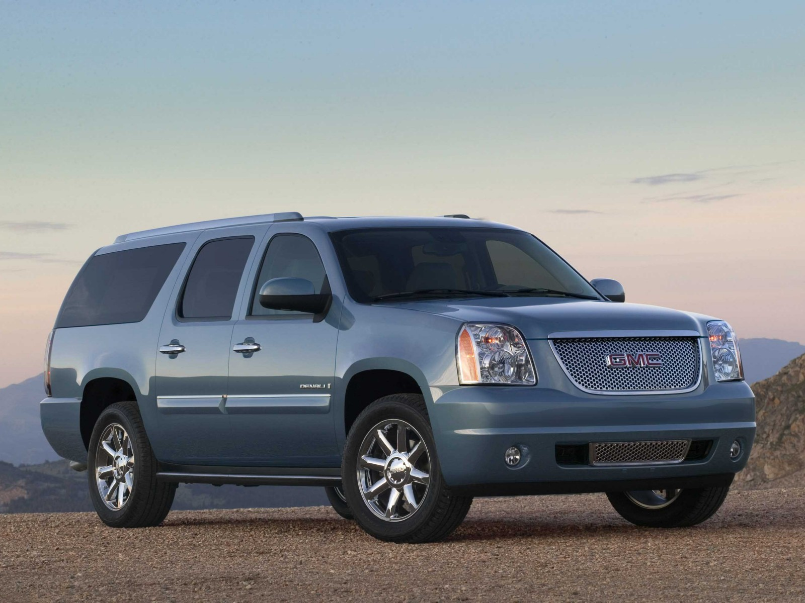 2011 gmc yukon xl photos informations articles. Black Bedroom Furniture Sets. Home Design Ideas