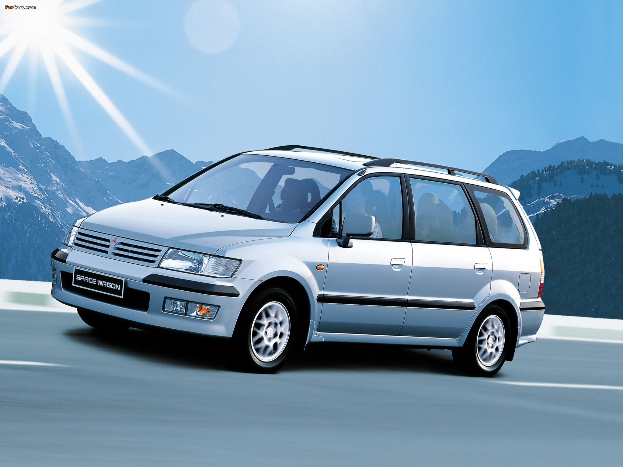 1997 Mitsubishi Space Wagon #14