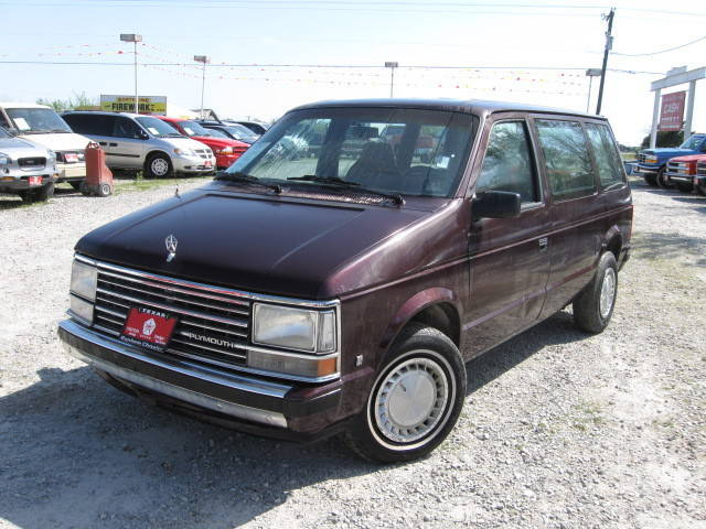 1990 Plymouth Voyager #5