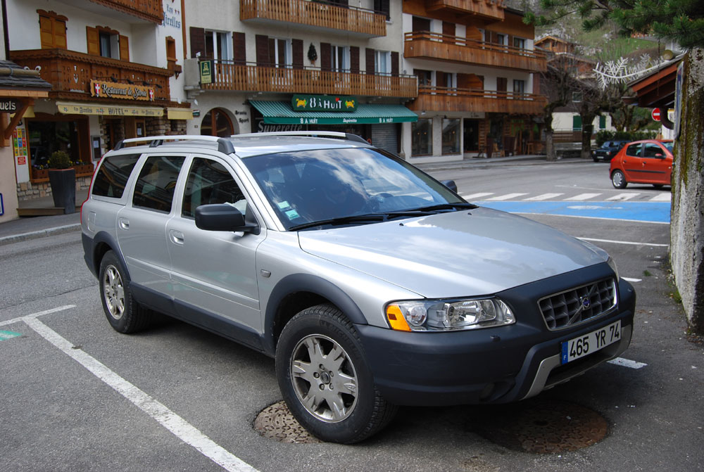 2006 volvo xc70 photos informations articles. Black Bedroom Furniture Sets. Home Design Ideas