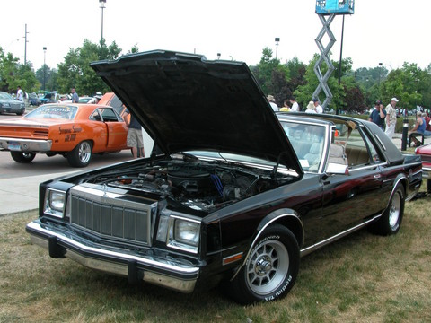 1982 Chrysler Cordoba #3