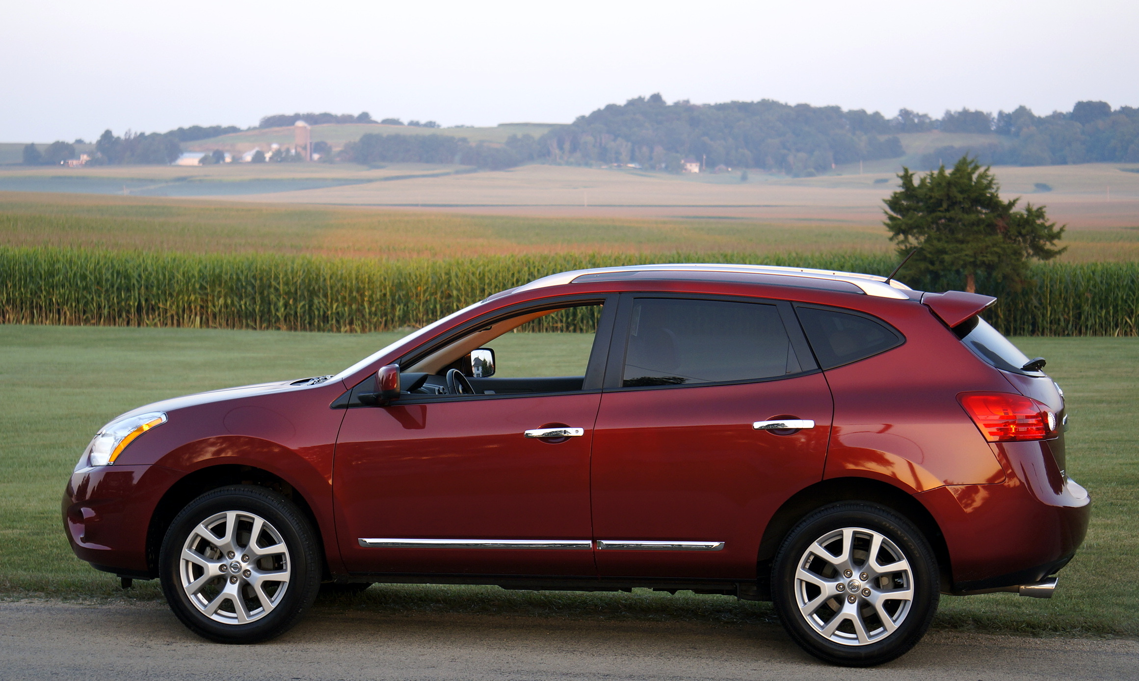 2013 nissan rogue photos informations articles. Black Bedroom Furniture Sets. Home Design Ideas
