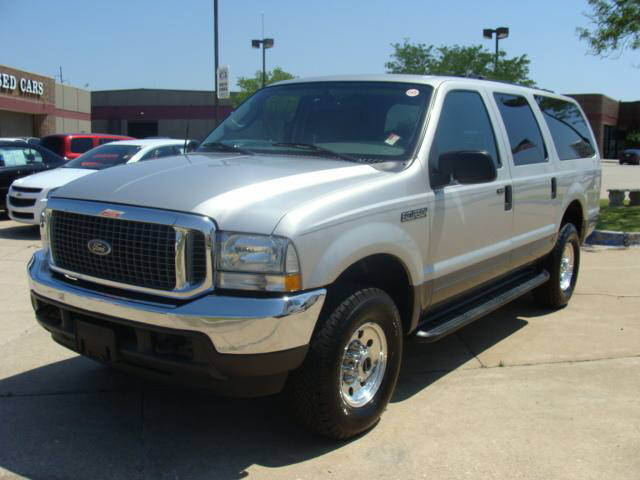 2004 Ford Excursion #9
