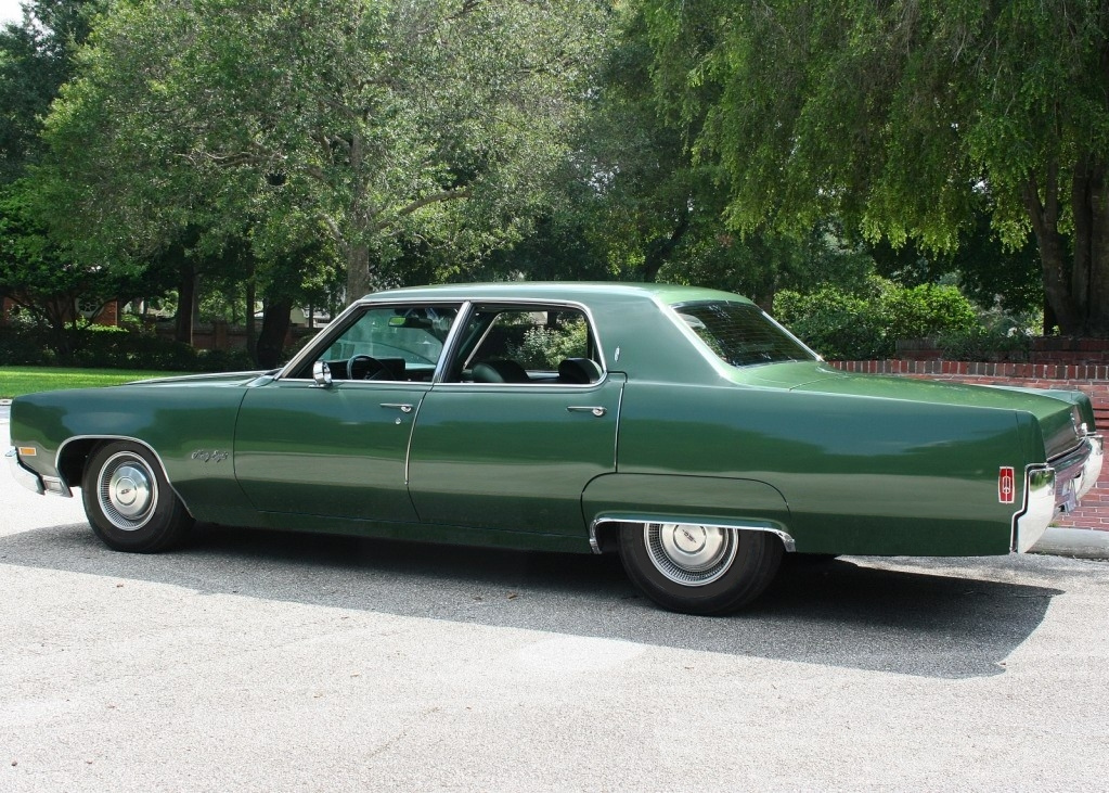 Oldsmobile Ninety-eight #8