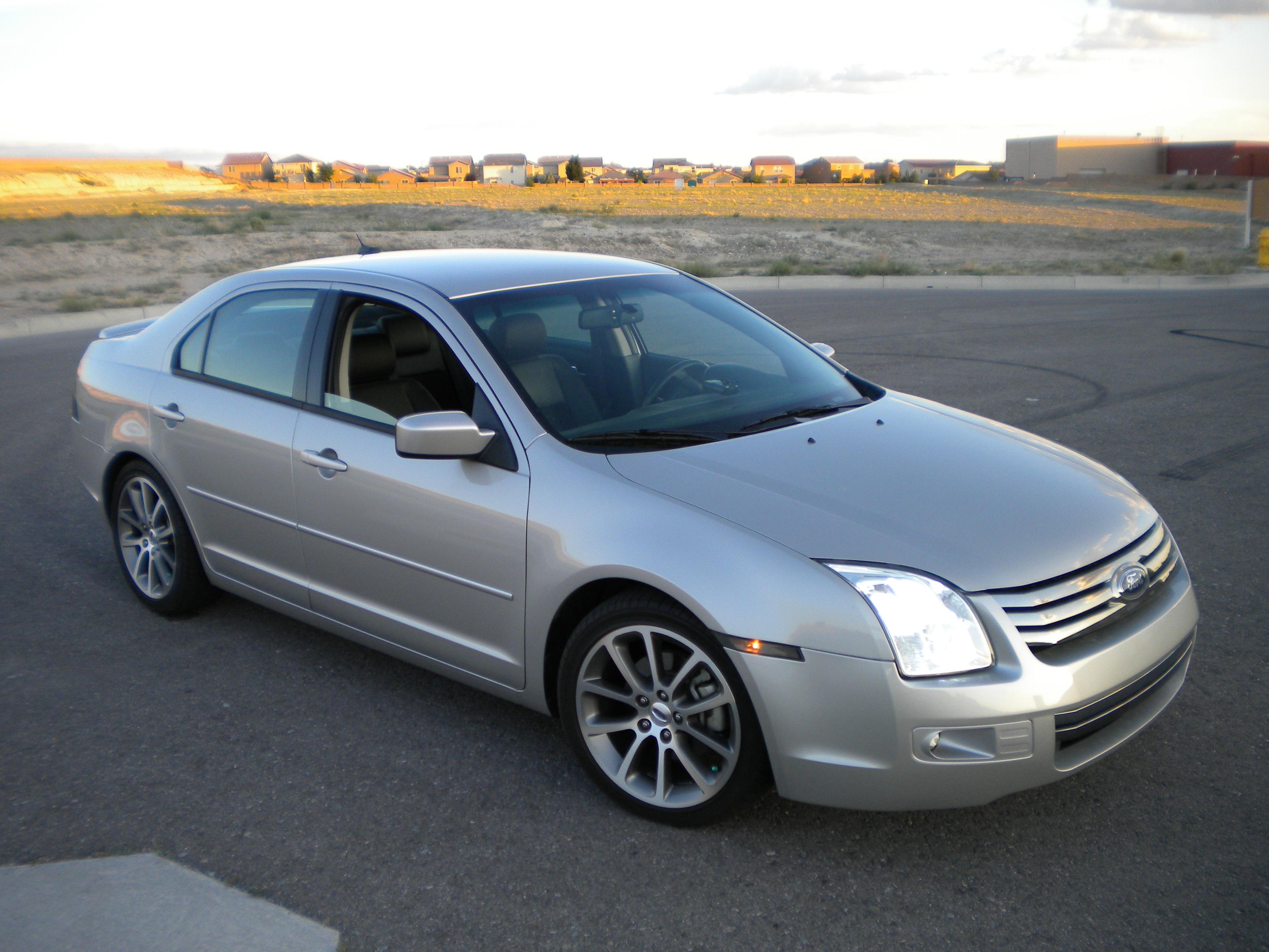 2008 Ford Fusion 4