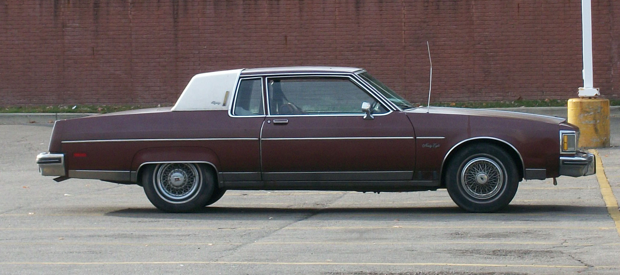 Oldsmobile Ninety-eight #13