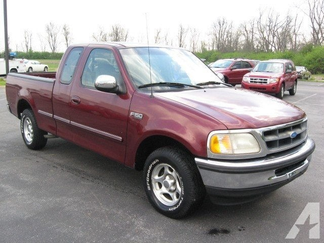 1997 Ford Versailles #13