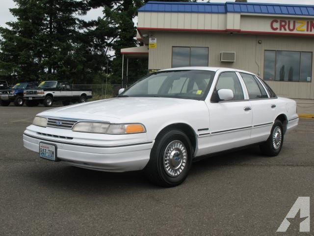 1993 Ford Crown Victoria #13