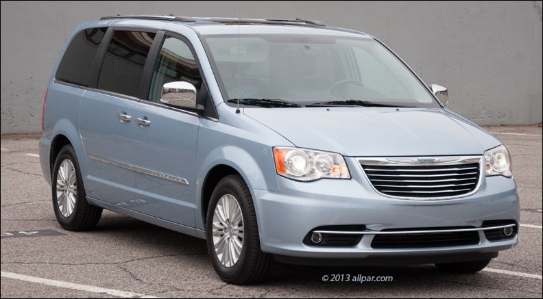 2013 Chrysler Town And Country #5