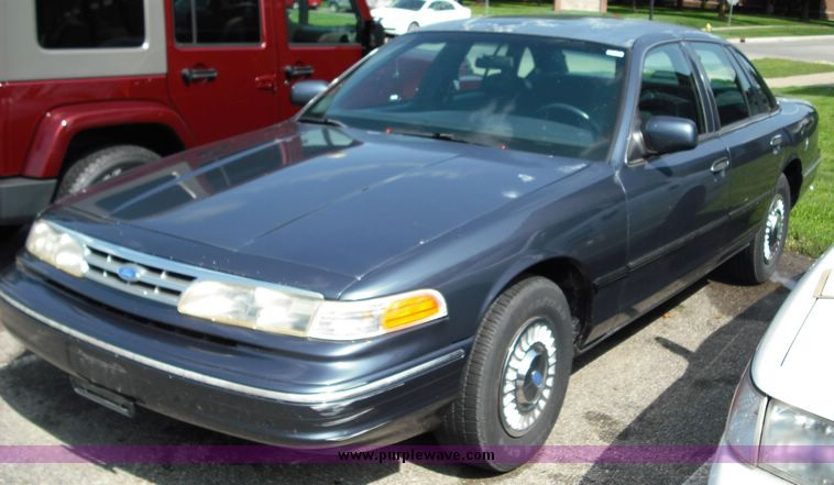1996 Ford Crown Victoria #4