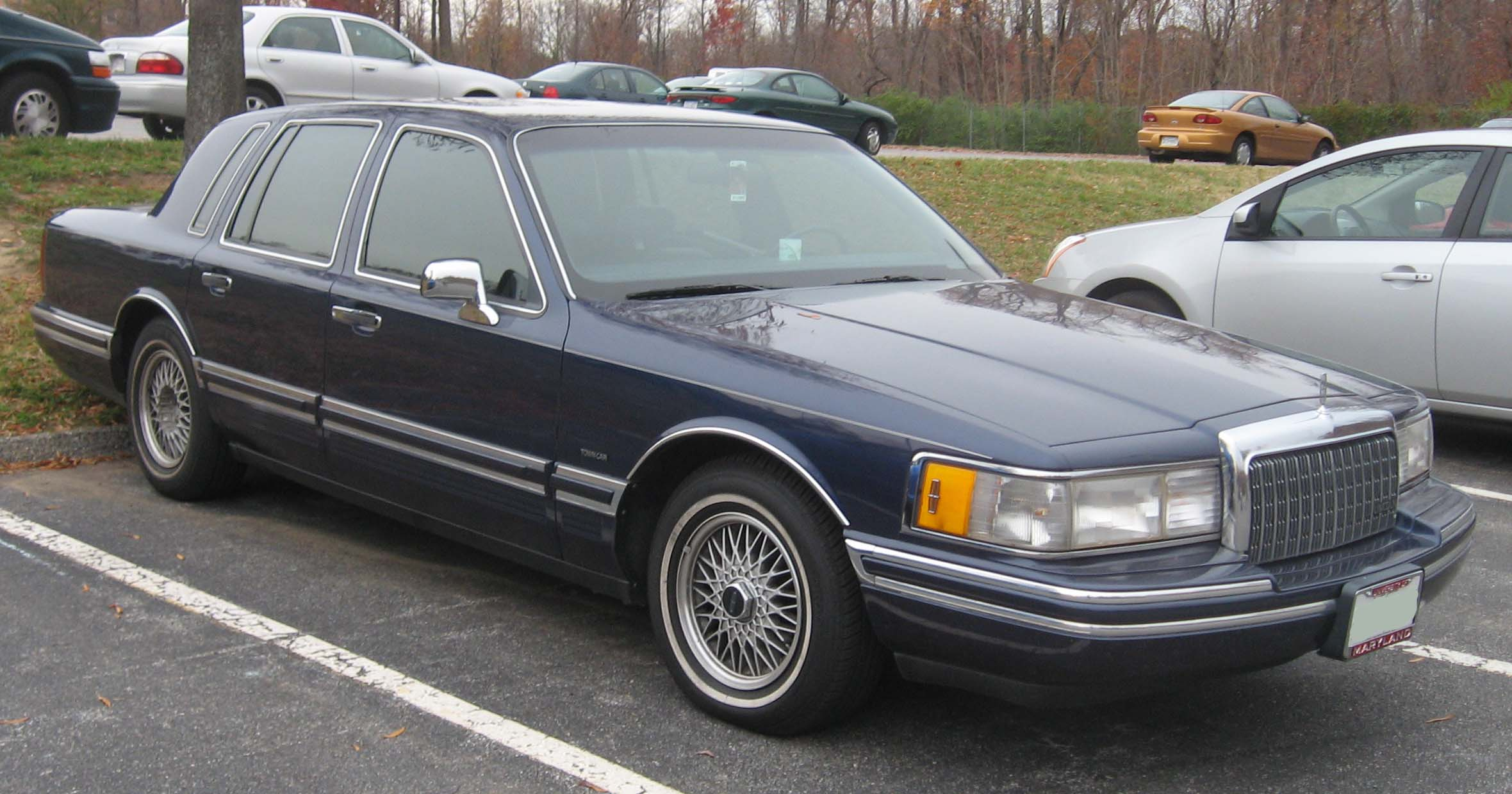 1990 Lincoln Town Car Photos Informations Articles Bestcarmag Com