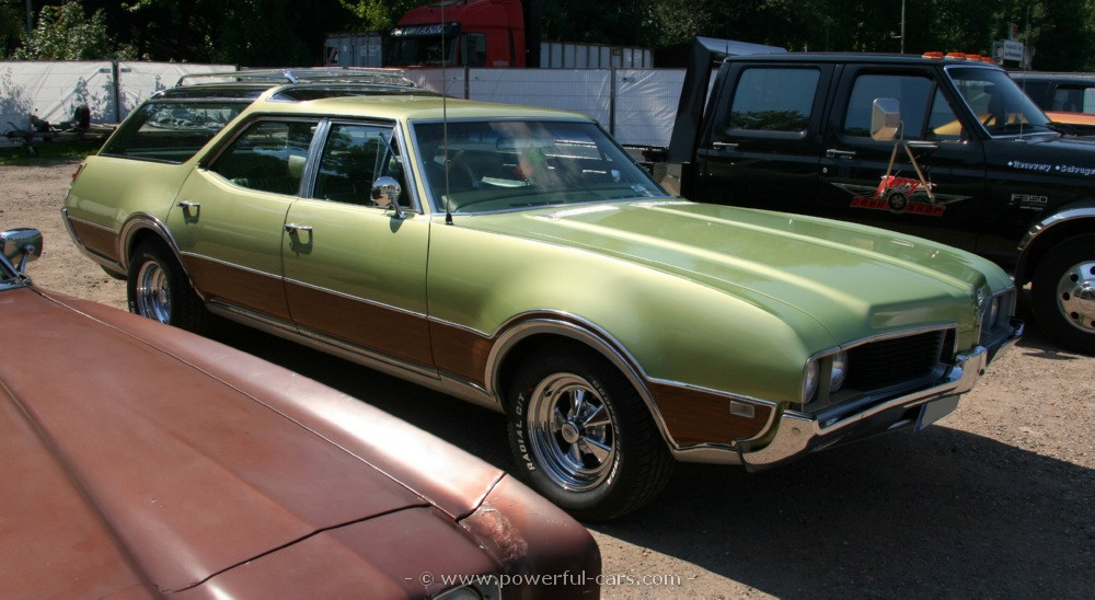 1969 Oldsmobile Vista Cruiser #4