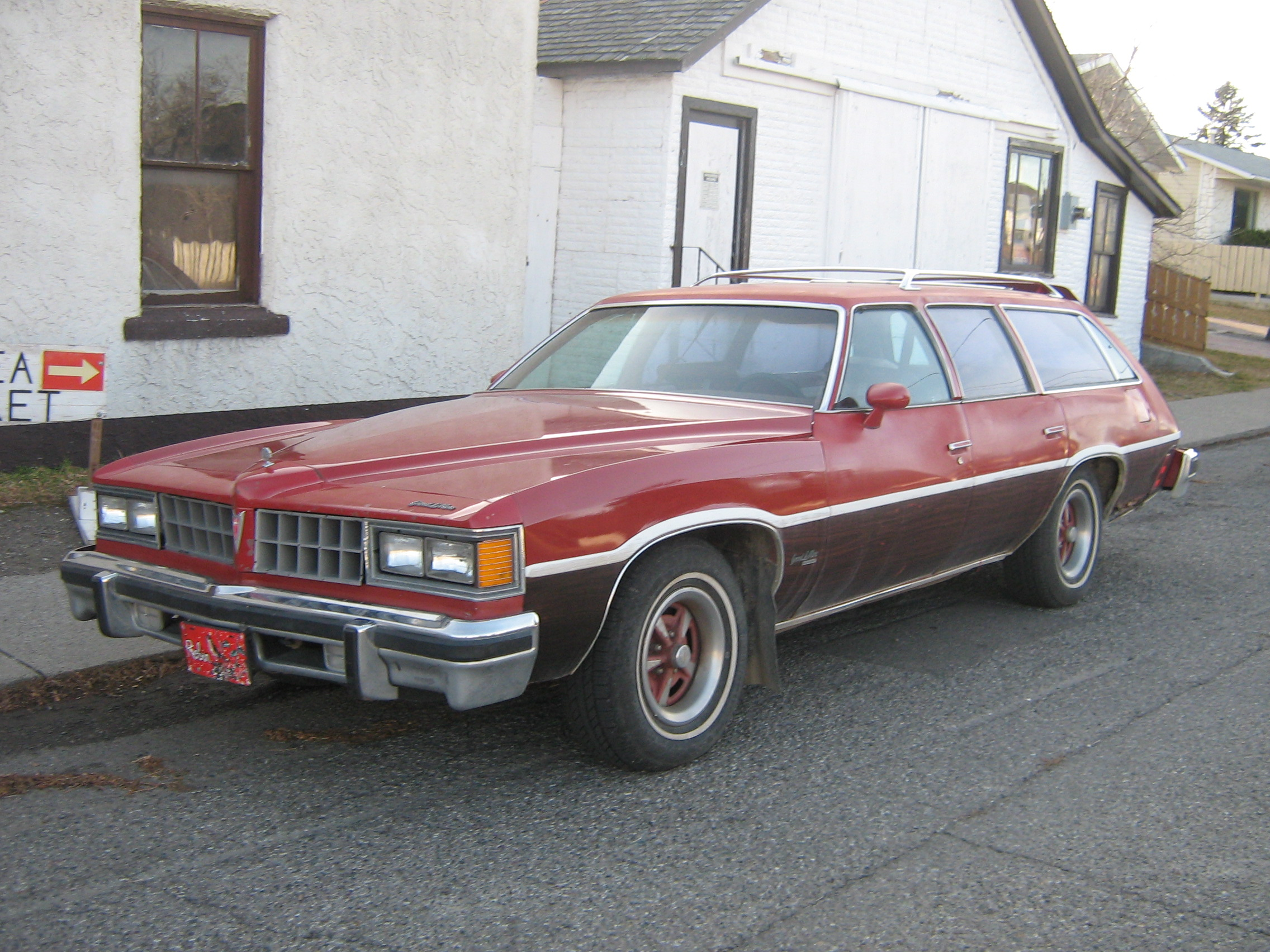 Pontiac Grand Safari #11