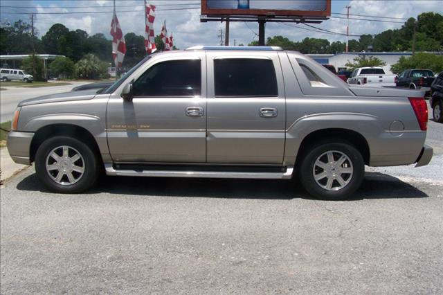 2002 cadillac escalade ext photos informations articles. Black Bedroom Furniture Sets. Home Design Ideas