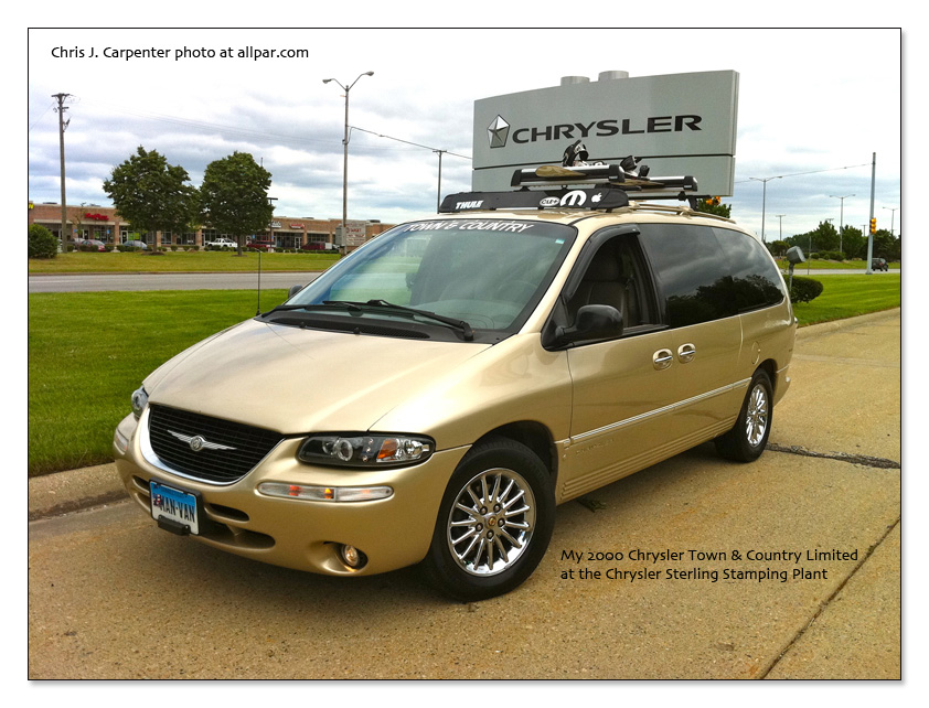 2000 Chrysler Town And Country #3