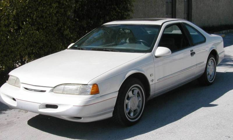 1995 Ford Thunderbird #10