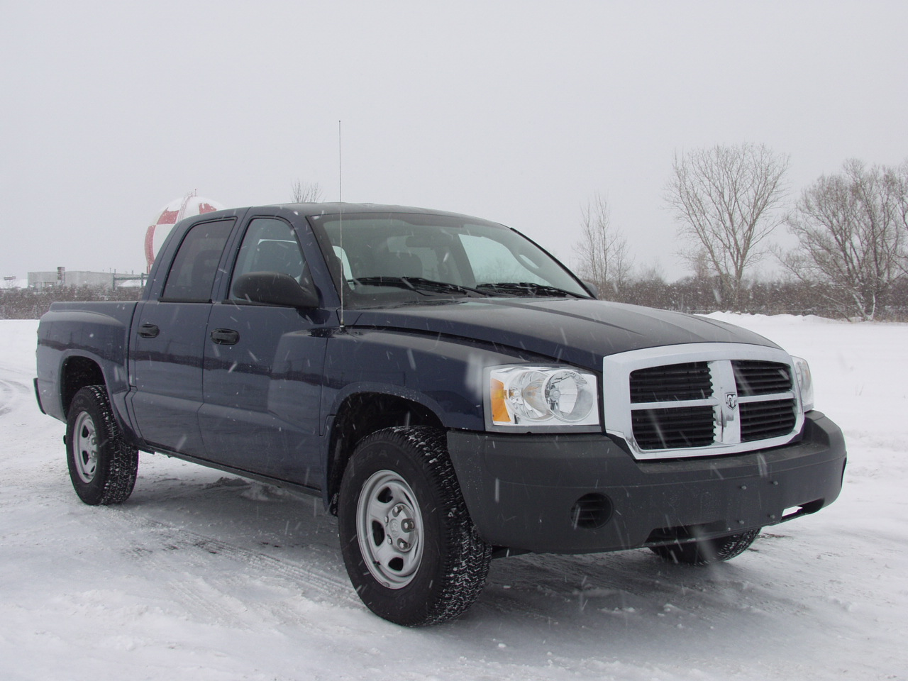 2005 Dodge Dakota #2