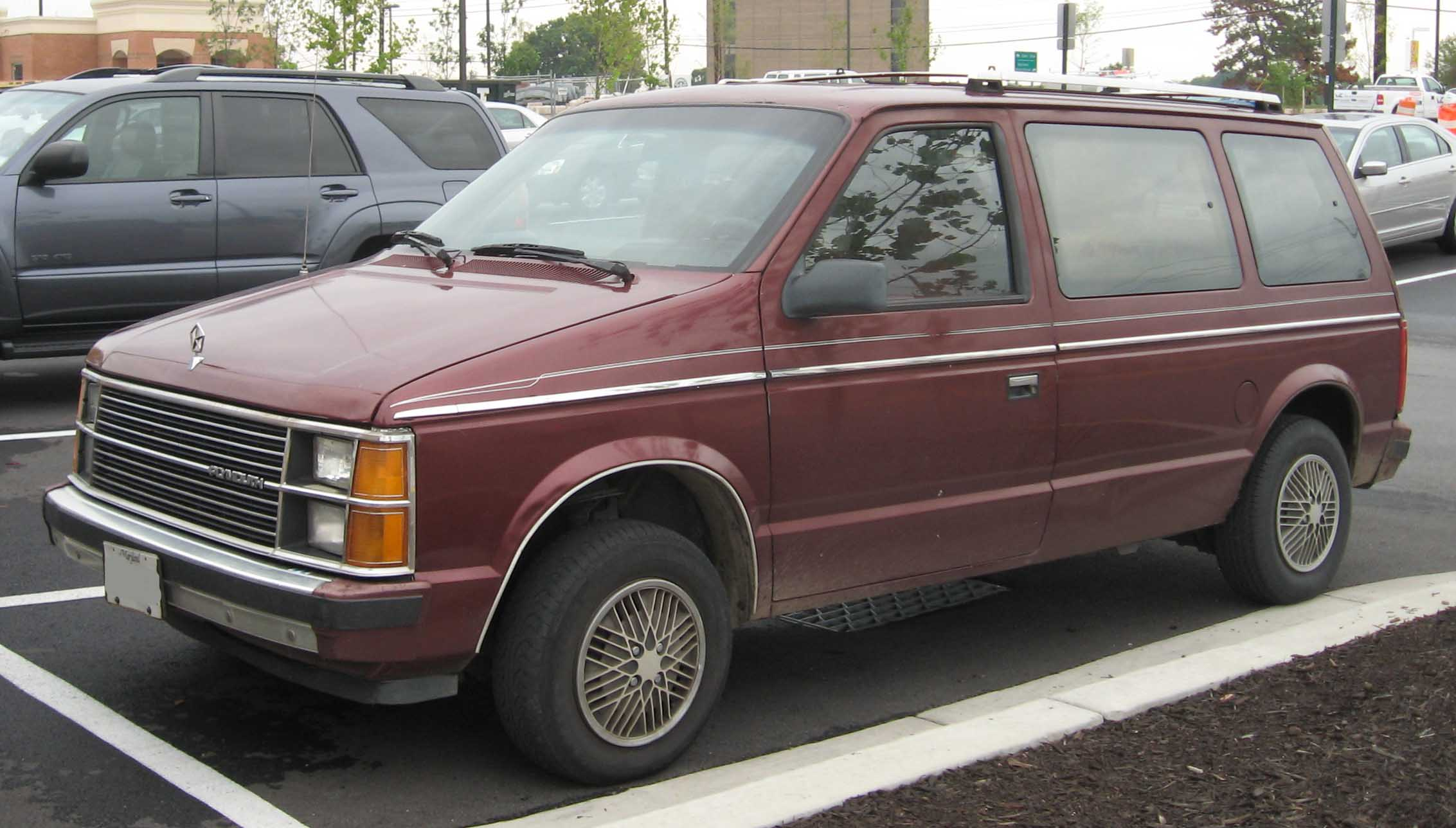 1990 Plymouth Voyager #4