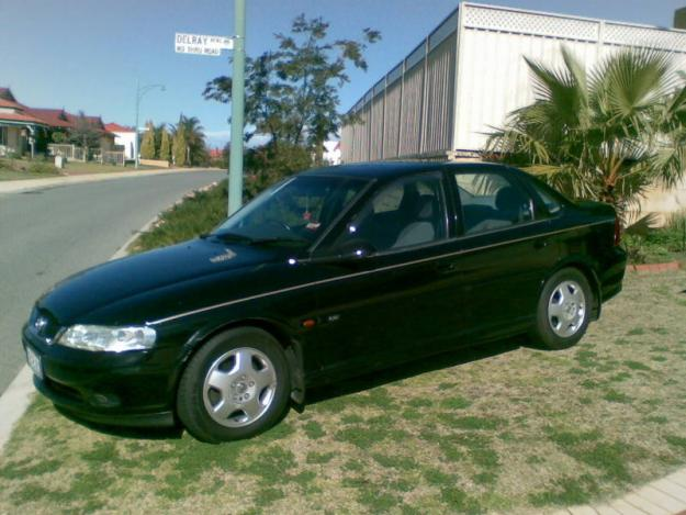2000 Holden Vectra #4