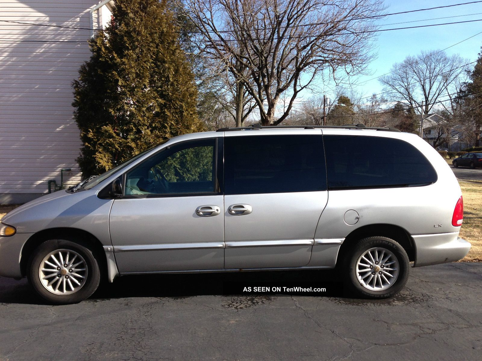 2000 Chrysler Town And Country #13