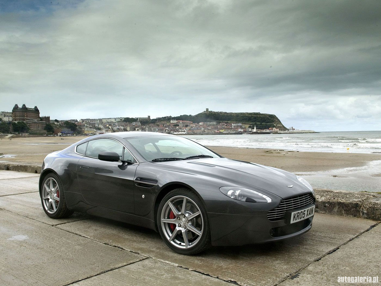 aston martin v8 vantage photos informations articles. Black Bedroom Furniture Sets. Home Design Ideas