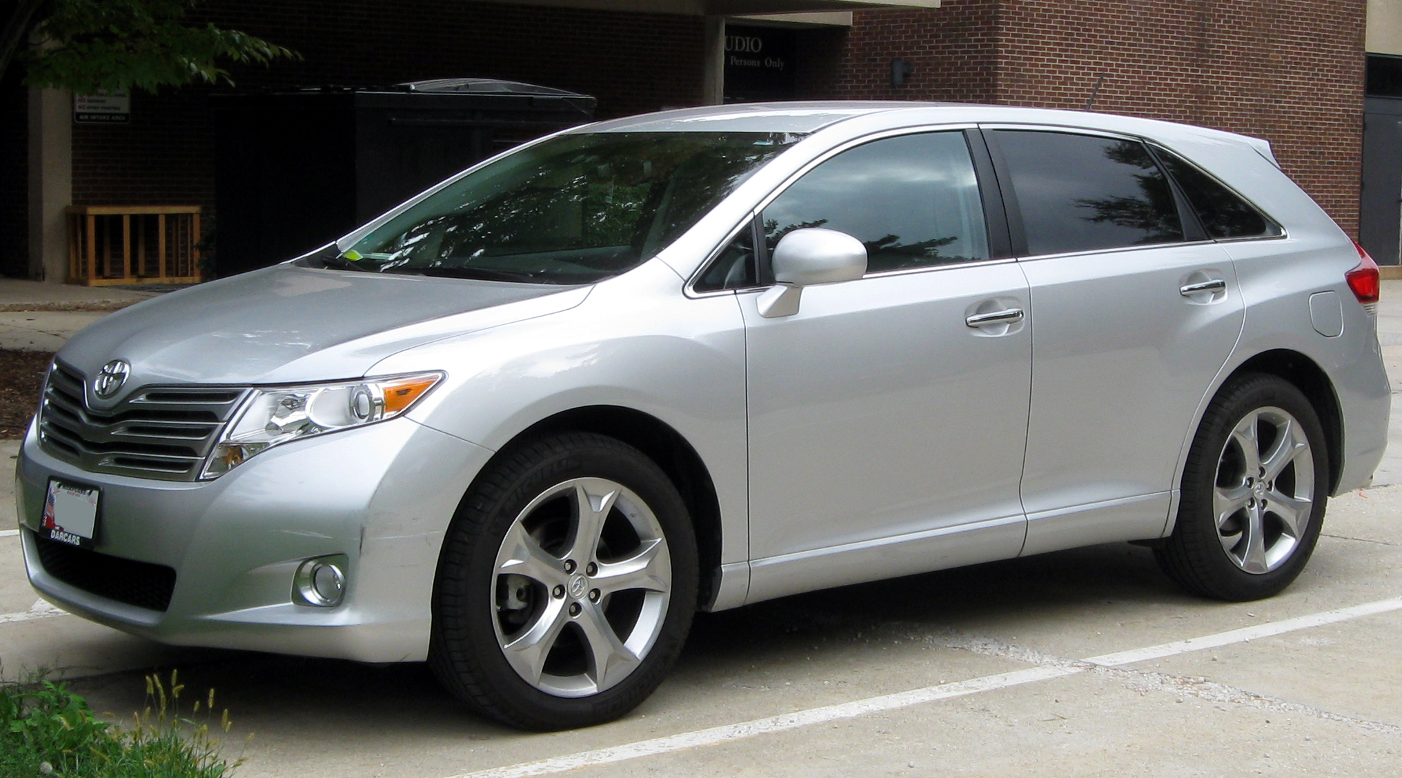 2010 Toyota Venza Photos Informations Articles