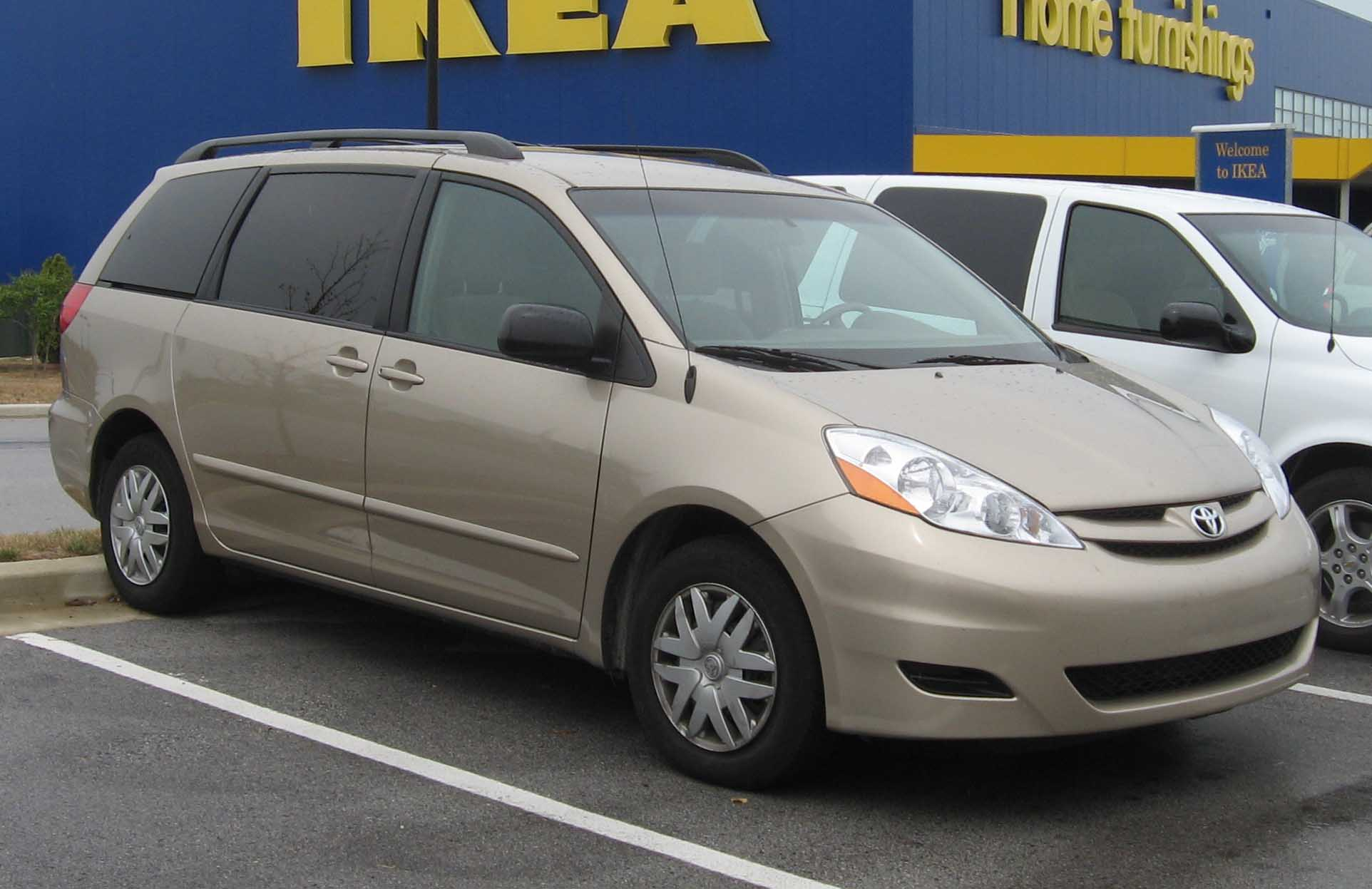2007 toyota sienna photos informations articles. Black Bedroom Furniture Sets. Home Design Ideas