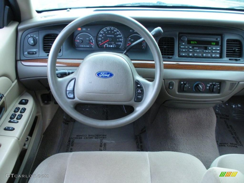 2003 Ford Crown Victoria #16