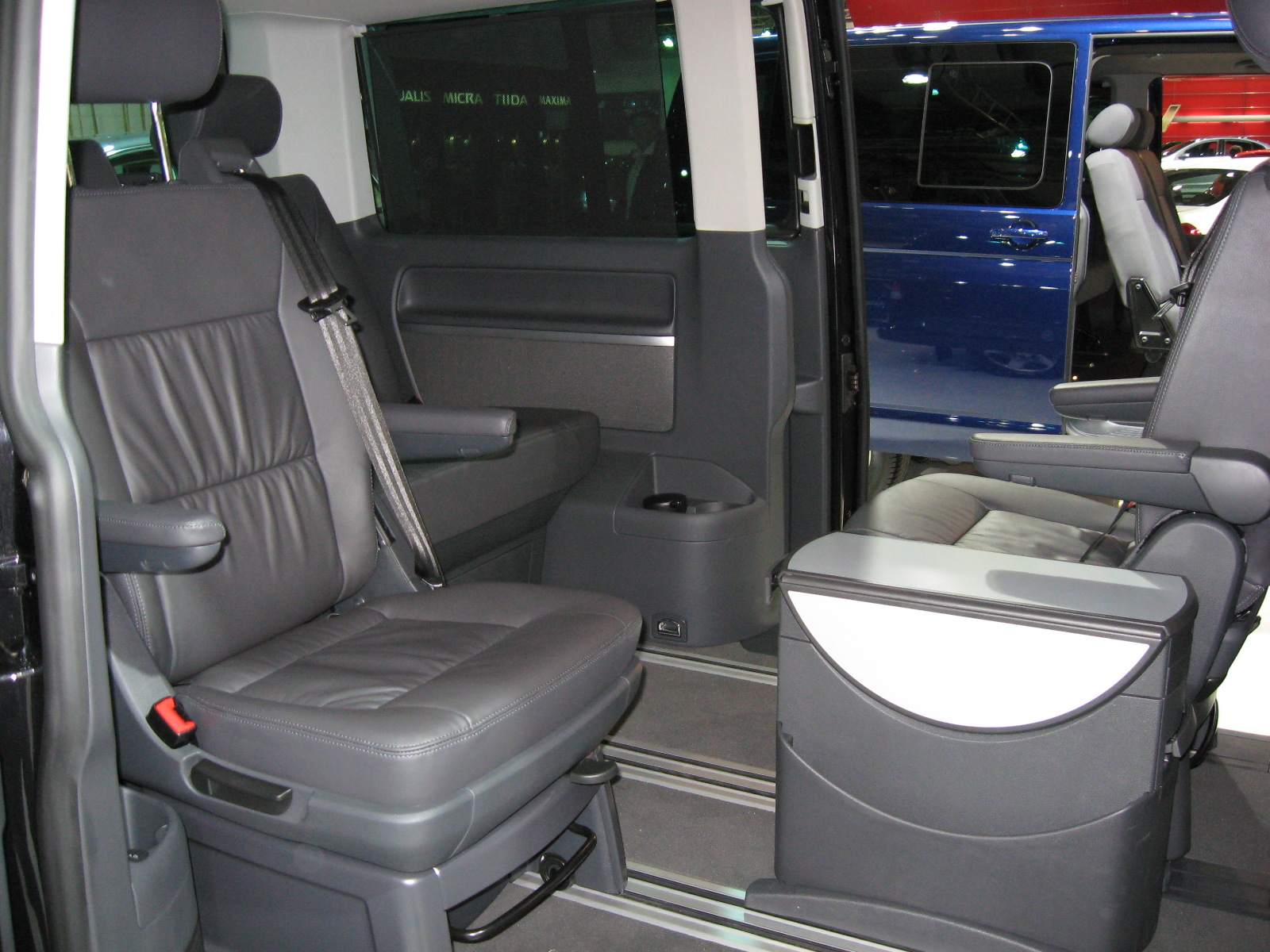 Volkswagen Multivan Photos Informations Articles
