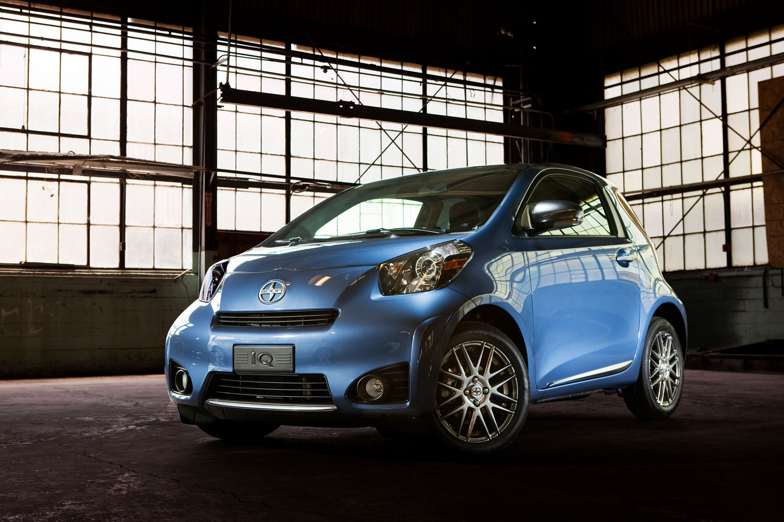 2015 Scion Iq #3
