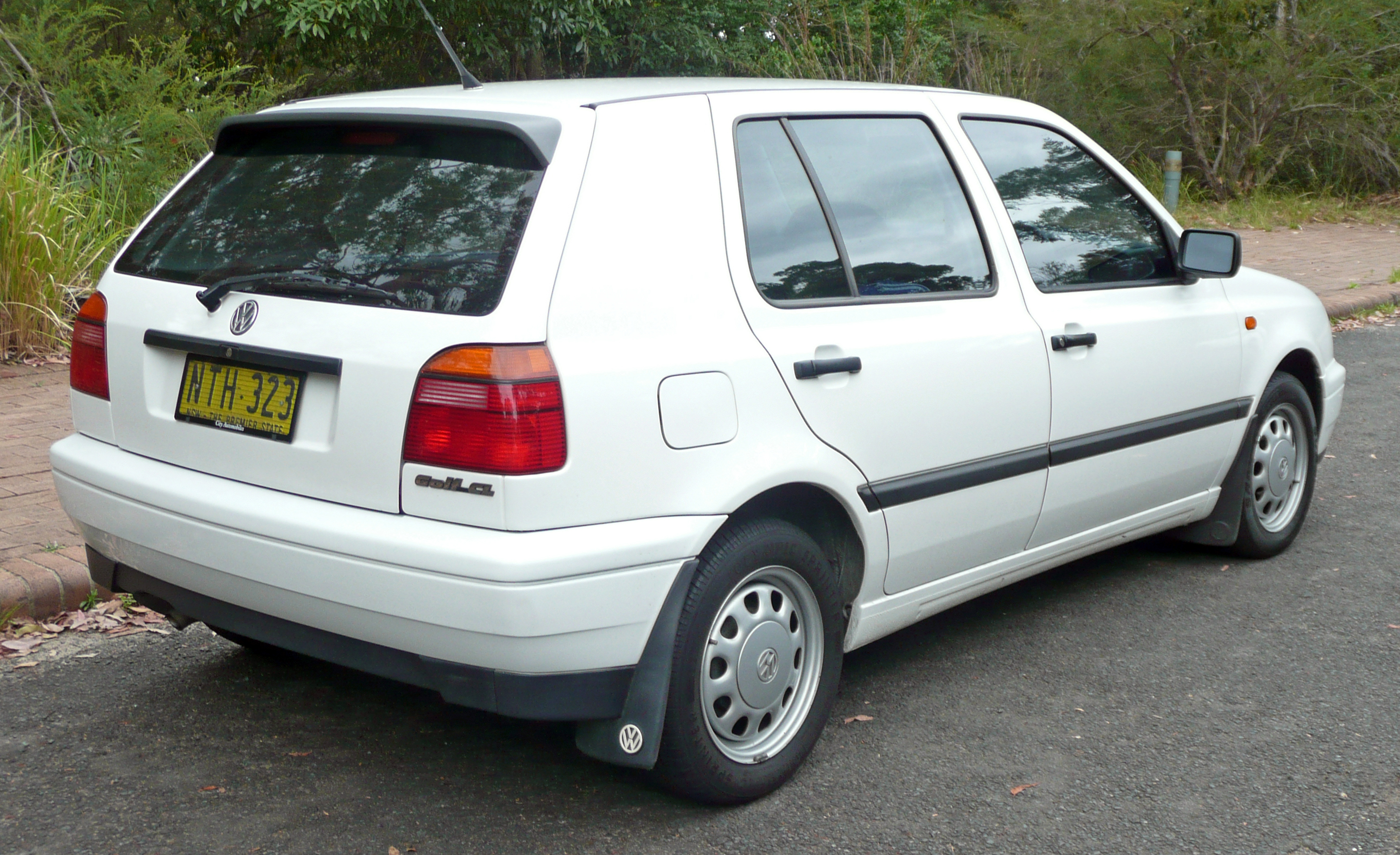 1998 Volkswagen Golf #2