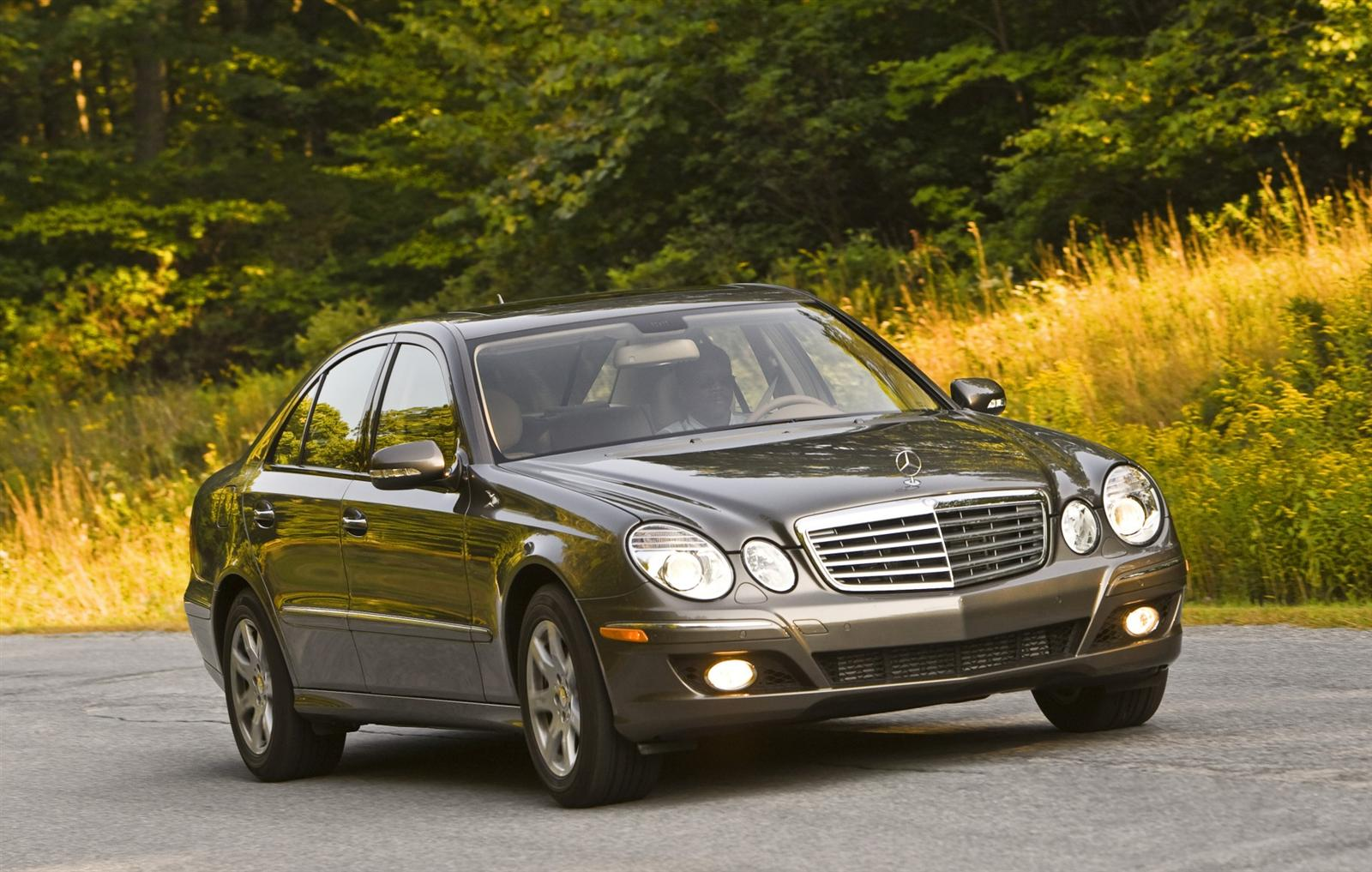 2009 mercedes benz e class photos informations articles. Black Bedroom Furniture Sets. Home Design Ideas