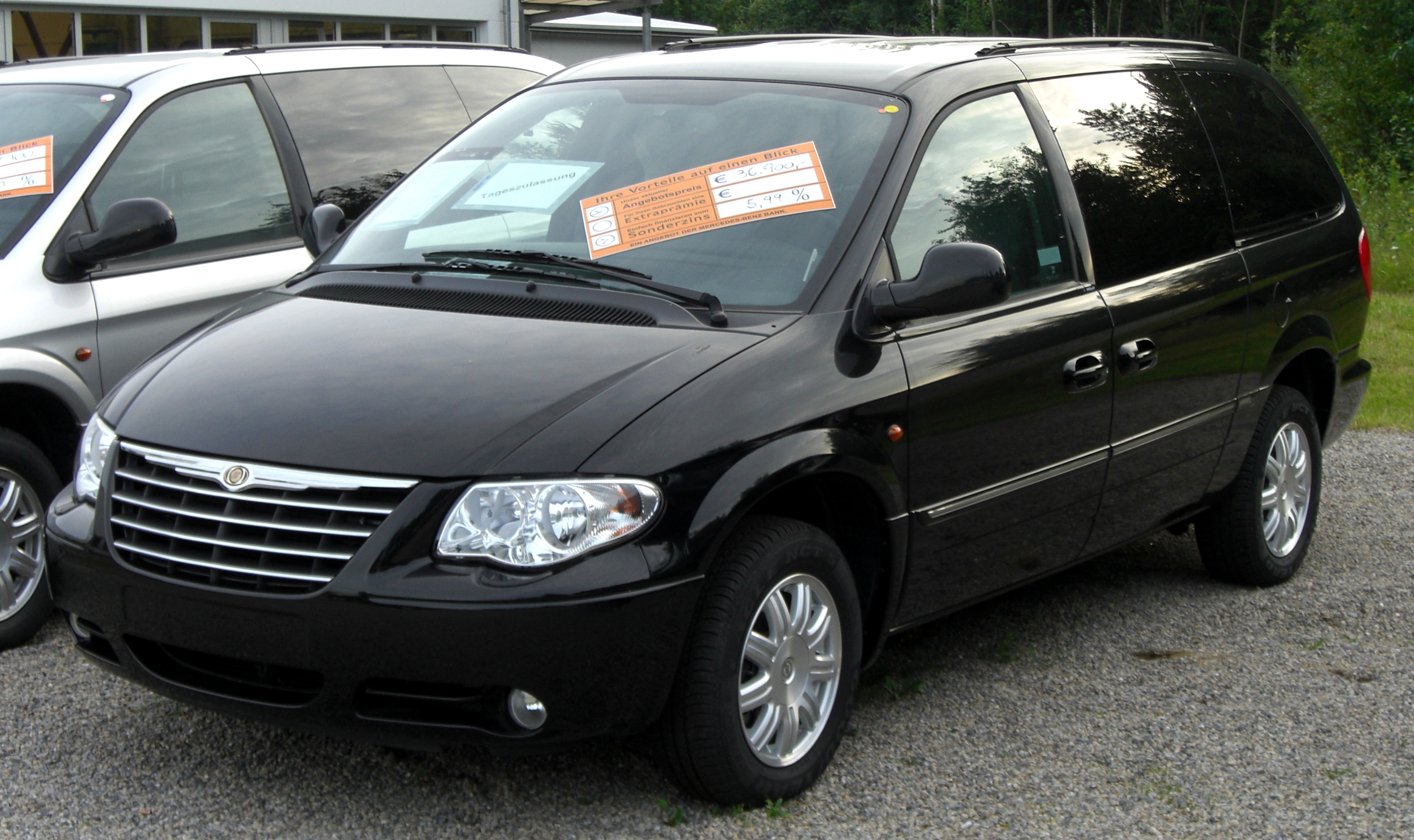 chrysler grand voyager photos informations articles. Black Bedroom Furniture Sets. Home Design Ideas