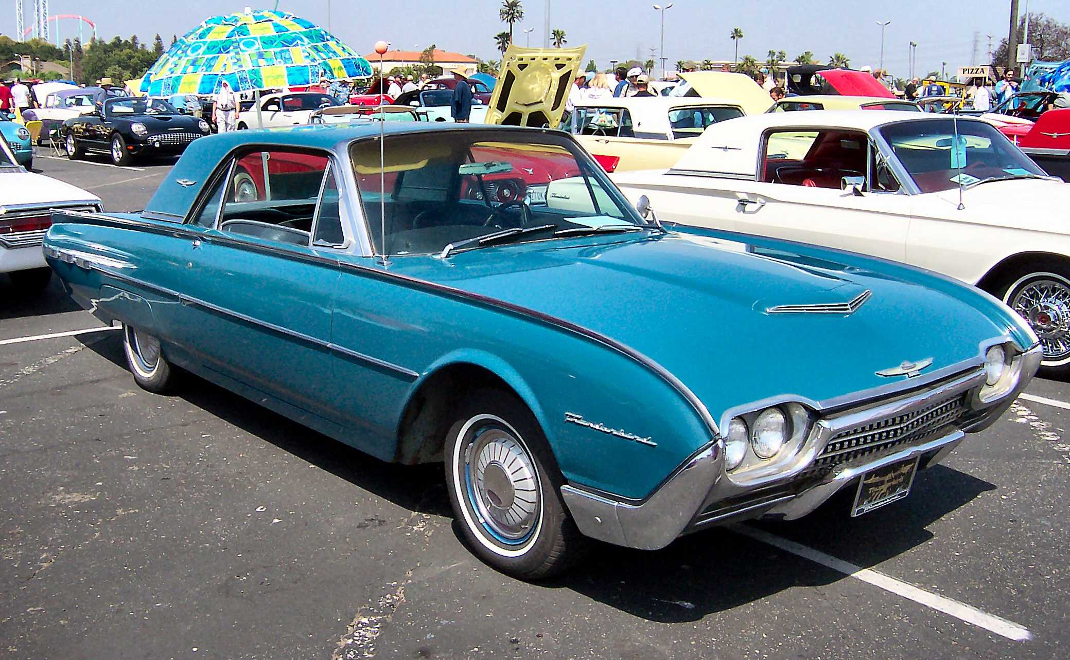 Ford Thunderbird #16