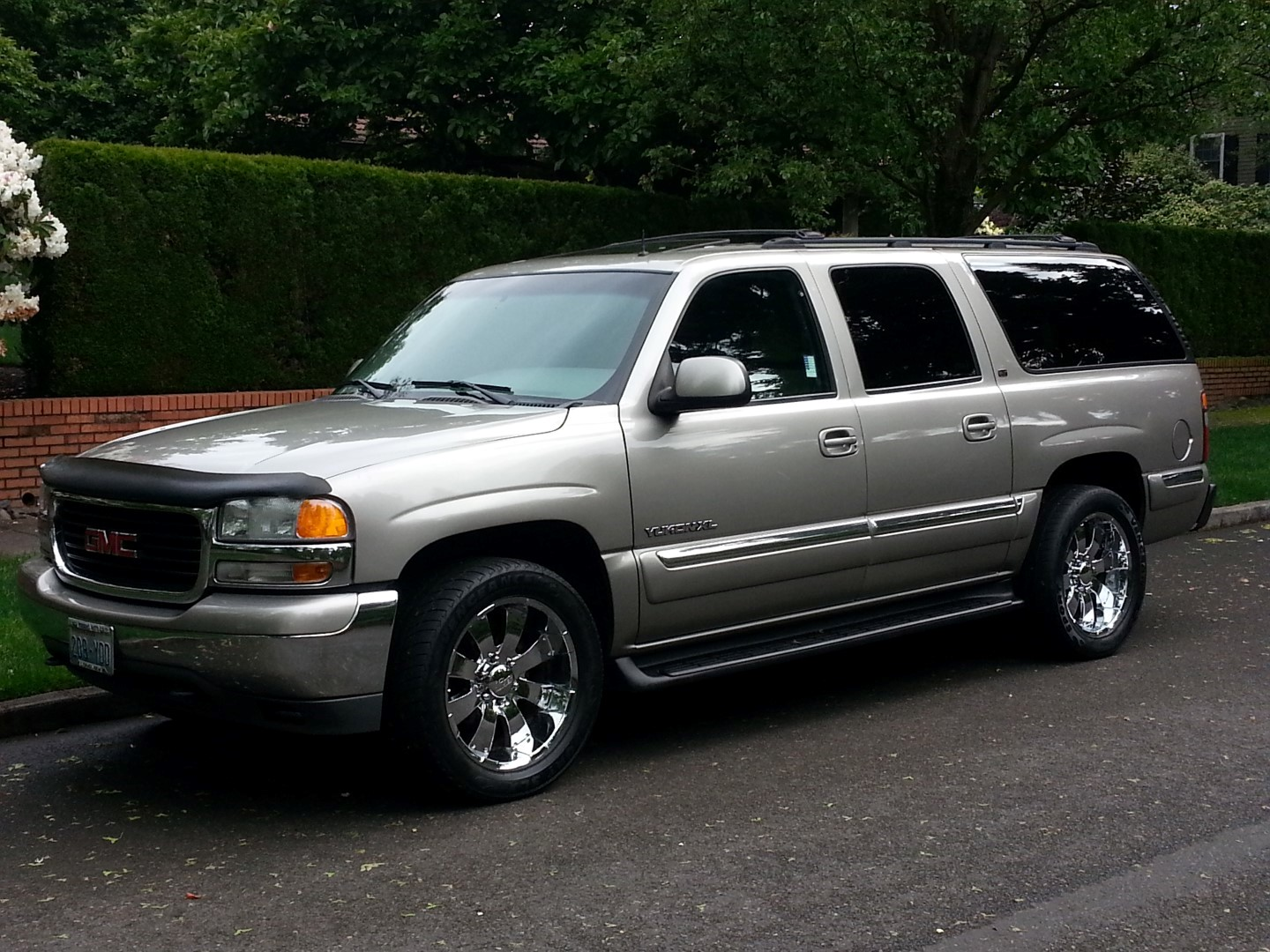 2002 Gmc Yukon Xl Photos Informations Articles Bestcarmag Com