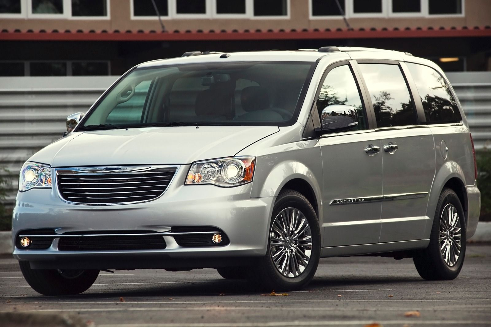 2015 Chrysler Town And Country #10
