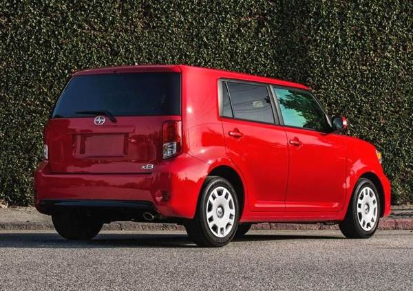 2013 Scion Xb #2